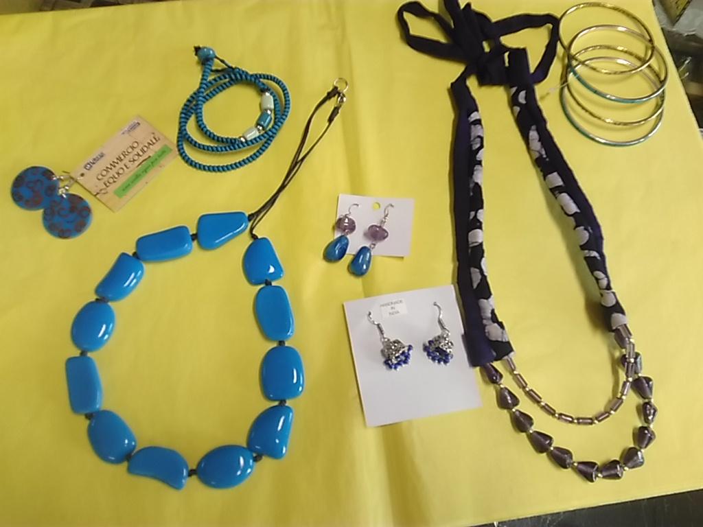 bijoux equosolidali blu